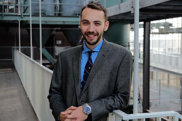 Alexandru Buzamet - Lawyer en Expert in incasso in het Verenigd Koninkrijk